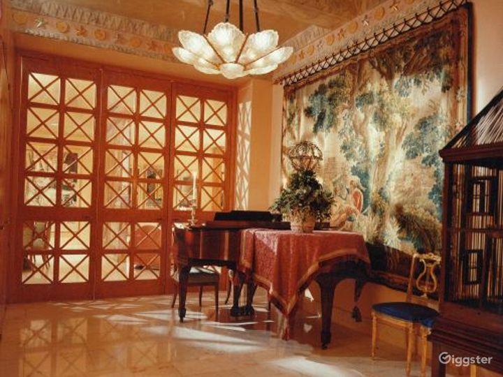 Ornate apartment: Location 2172 Photo 5