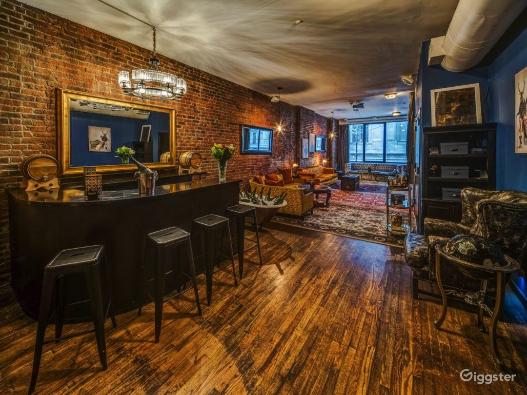 Speakeasy styled loft with themed rooms Photo 2