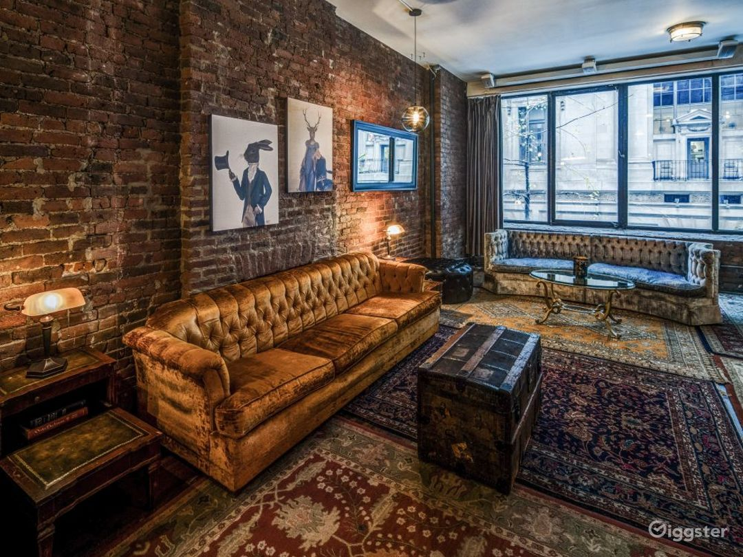 Speakeasy styled loft with themed rooms Photo 4