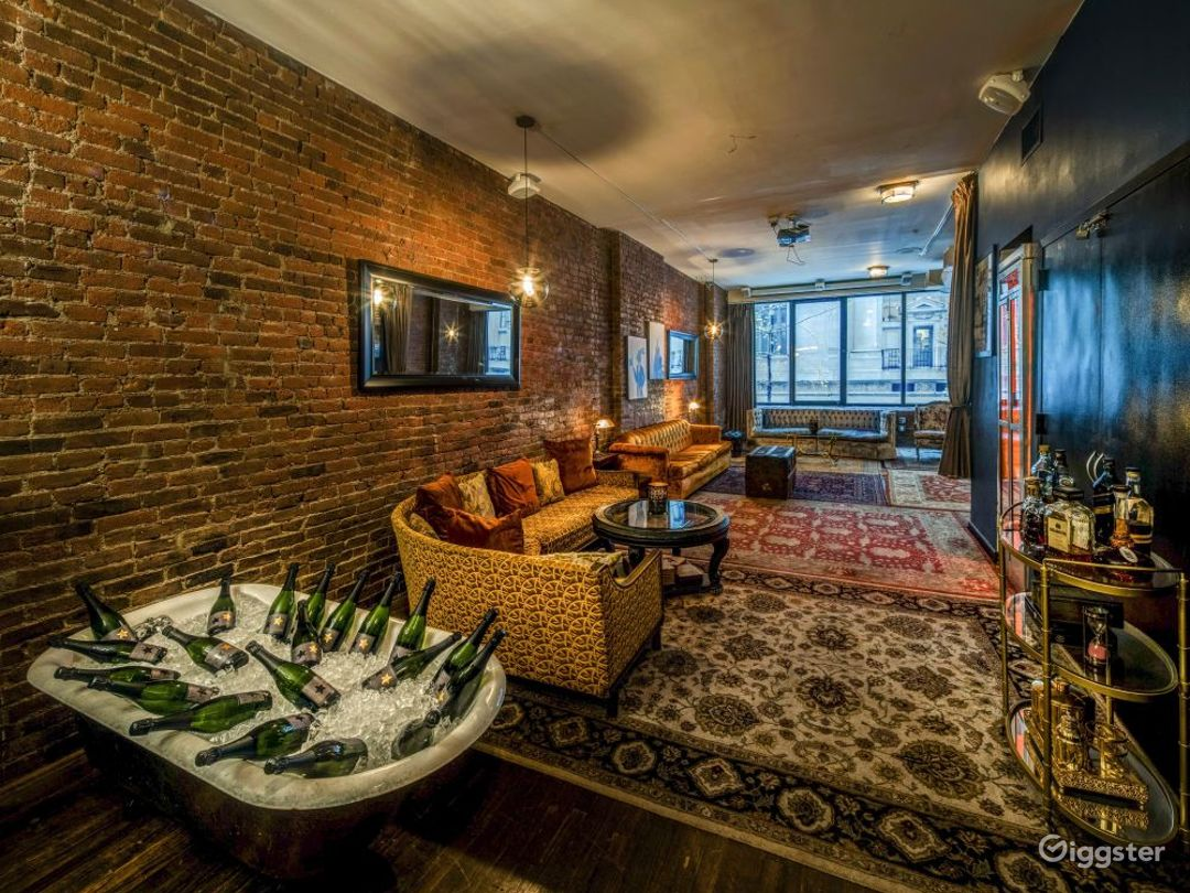 Speakeasy styled loft with themed rooms Photo 3