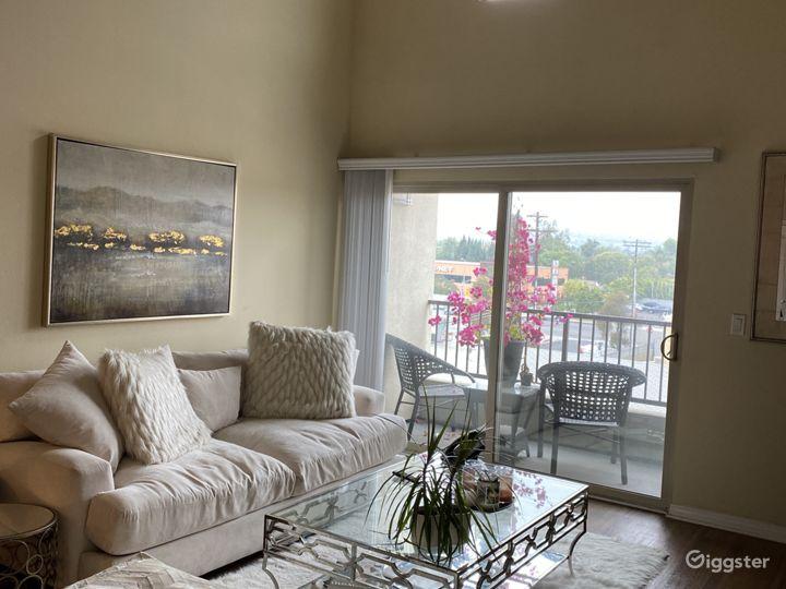 Classy Penthouse - Laurel Cyn w/ Balcony & Rooftop Photo 5