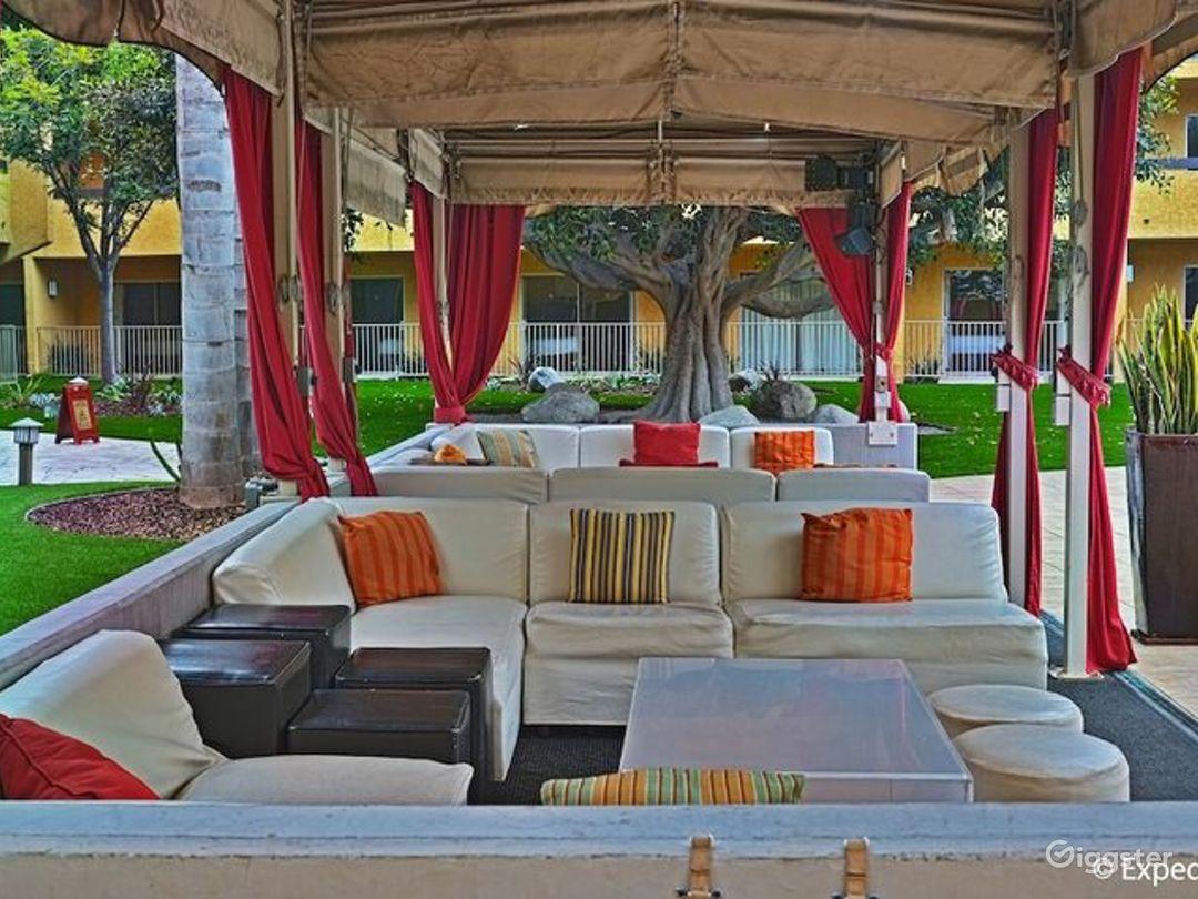 Gorgeous Garden Cabana - Venue & Dining Photo 1