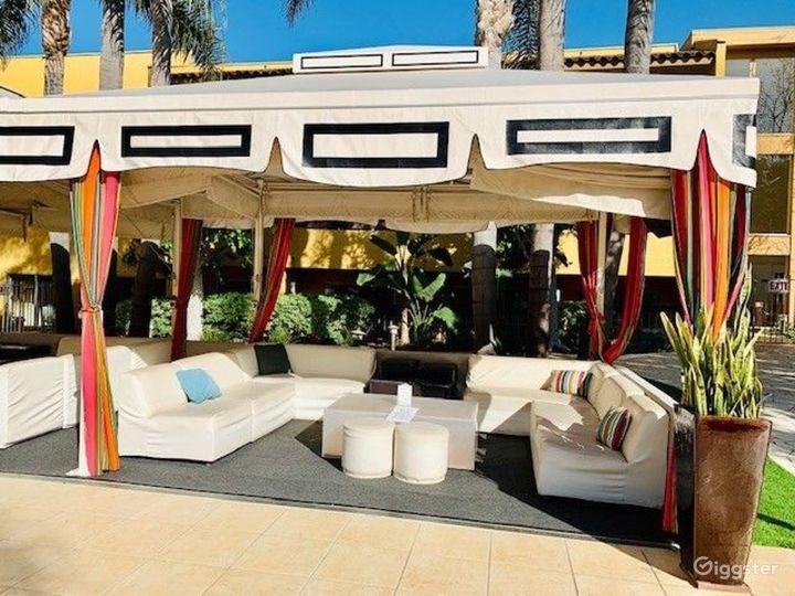 Gorgeous Garden Cabana - Venue & Dining Photo 5