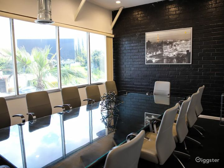 Ultramodern & Elegant Conference Room in Inglewood  Photo 3