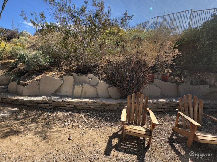 Quiet and Relaxing Garden in California Photo 4