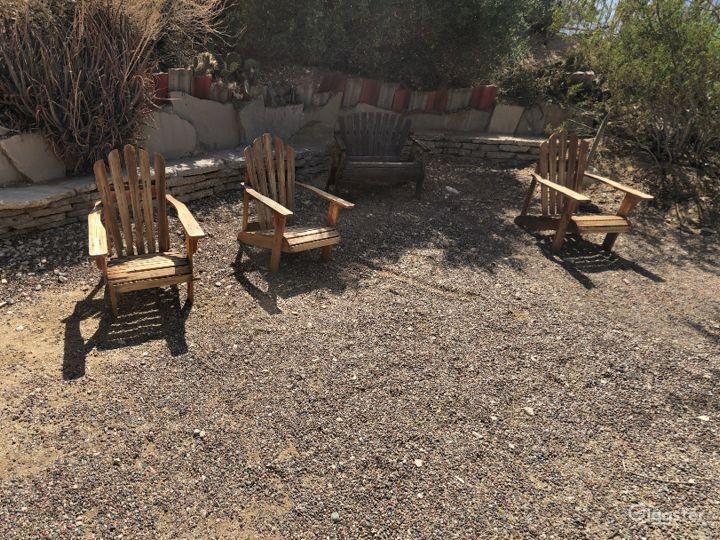Quiet and Relaxing Garden in California Photo 5