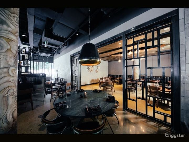 Elegant Private Dining Room Photo 5