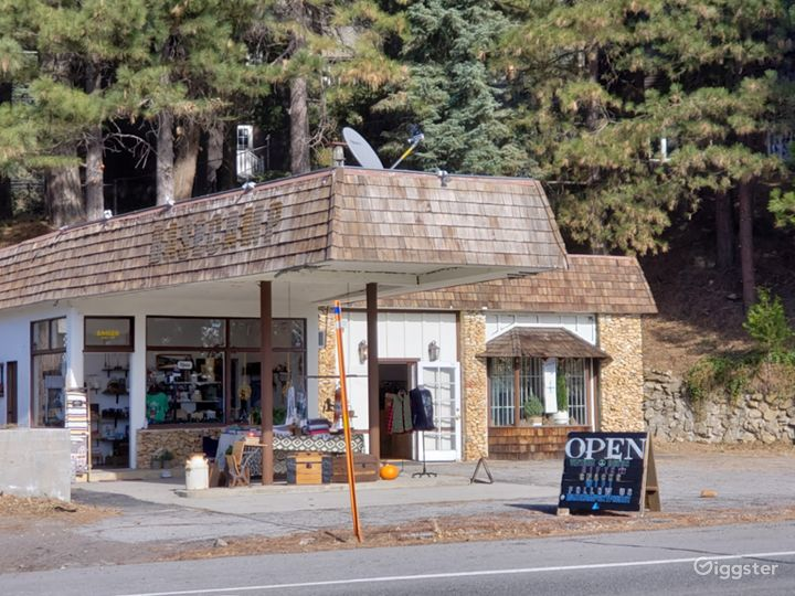 1968 Gas Station set in the CA mountains Photo 5