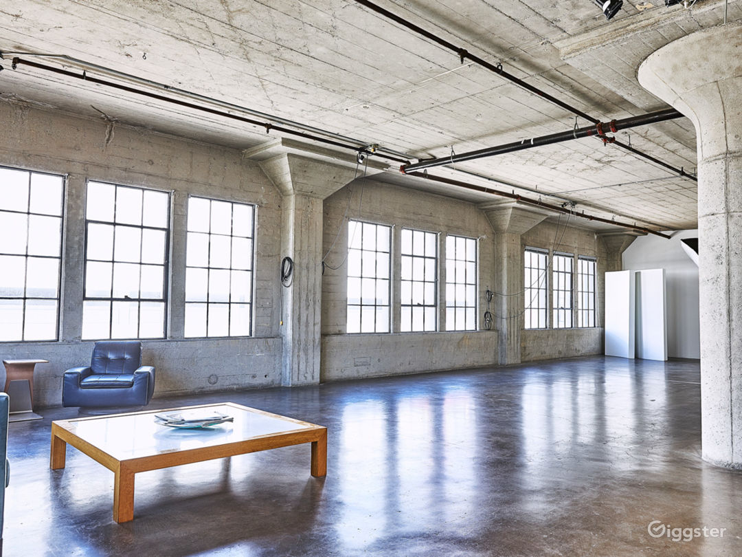Arts District Daylight Studio Loft Style Photo 1