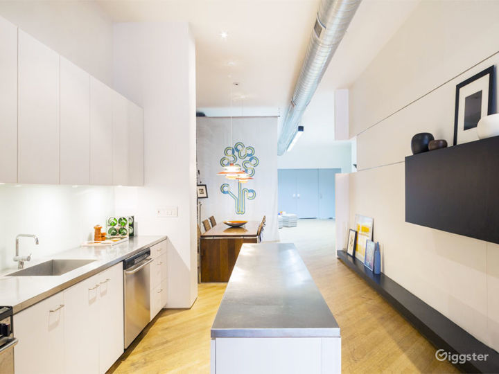 Dream Mid-Century Modern Loft Soho Photo 4