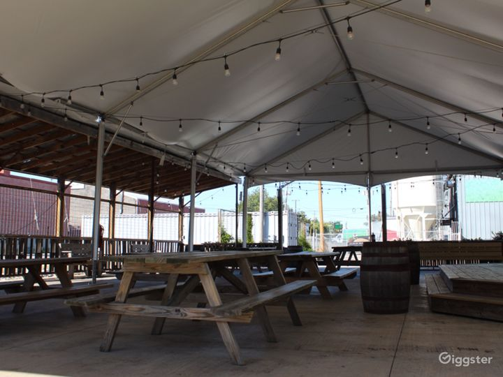 Open-Air Pavilion in Broad Avenue Arts District