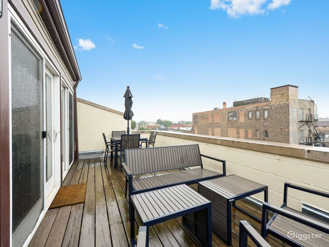 Wicker Park Loft Stunner  Photo 5