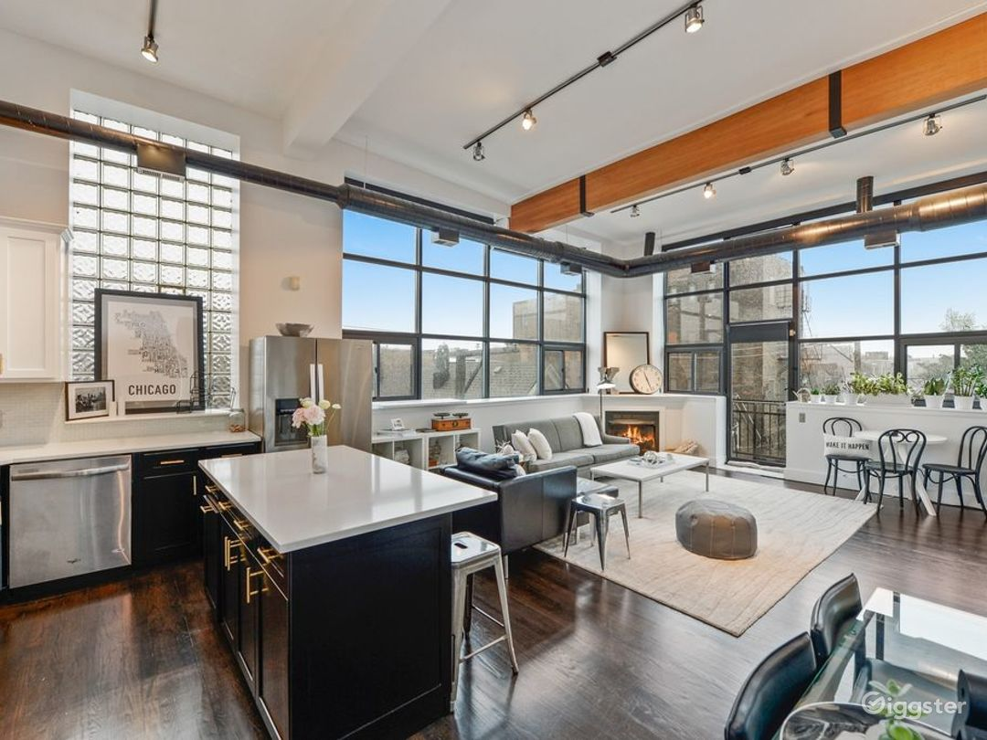 Wicker Park Loft Stunner  Photo 1