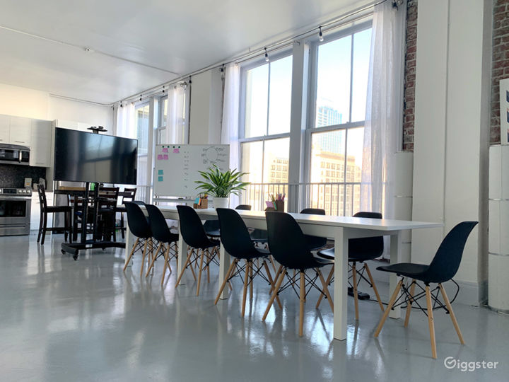 Historic Downtown Loft with Multiple Backdrops Photo 3