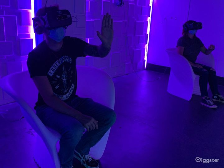 An Out of this World VR Experience in Aurora  Photo 3