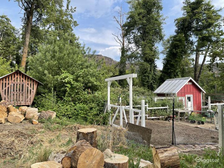 Country Farm House, Barn & Apple Orchard Photo 2