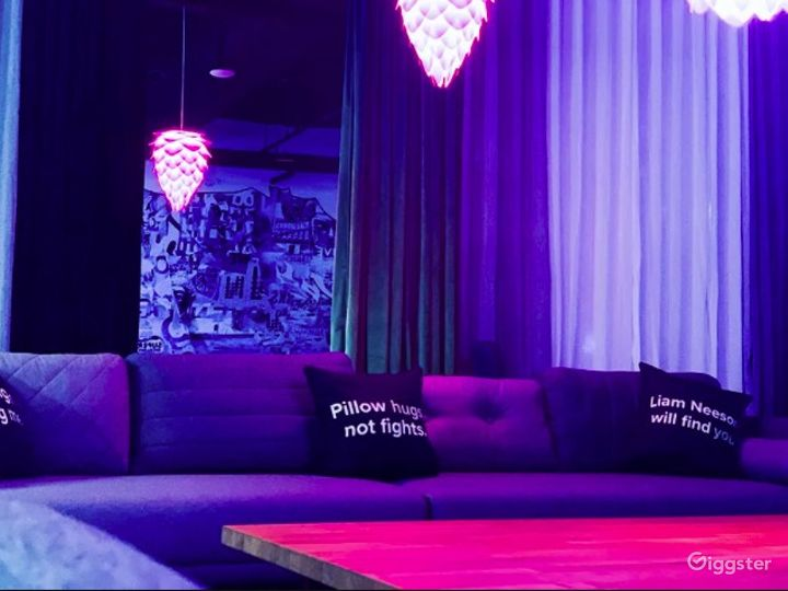 Creative Event Space with Vibrant Lighting Photo 5