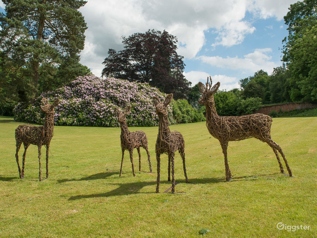 The Picturesque Gardens in Dorking Photo 1