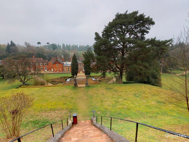 The Picturesque Gardens in Dorking Photo 3