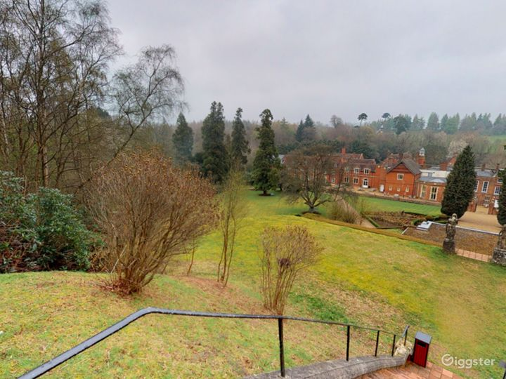 The Picturesque Gardens in Dorking Photo 4
