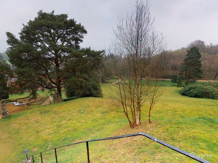 The Picturesque Gardens in Dorking Photo 2