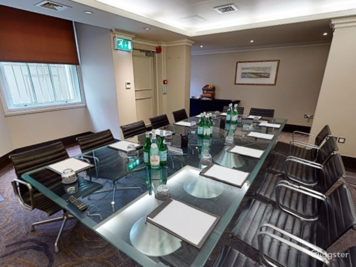 Intimate Private Room 3 in Cromwell Road, London Photo 5