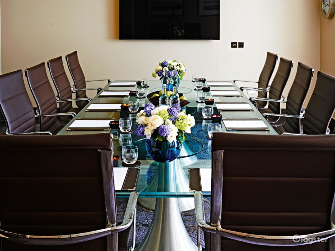 Intimate Private Room 3 in Cromwell Road, London Photo 1