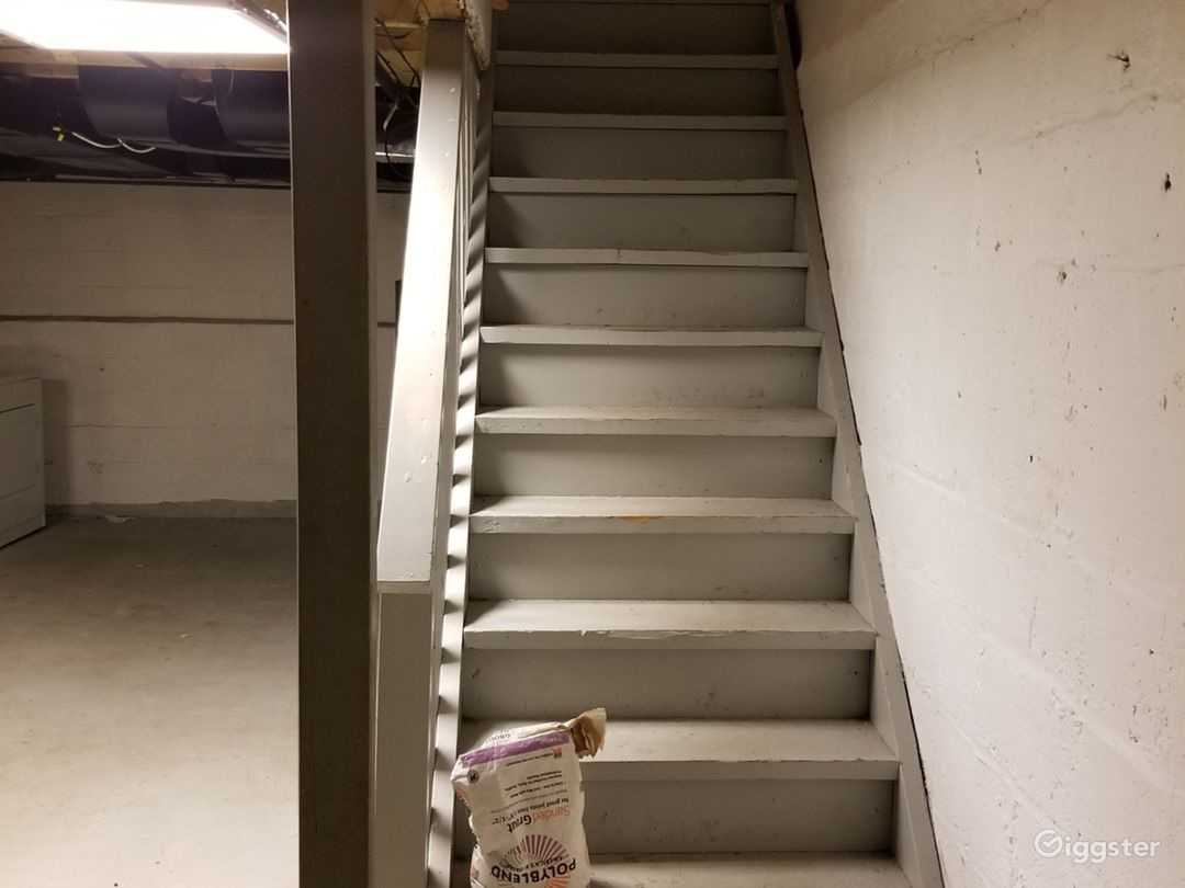 These are the steps leading to the basement.