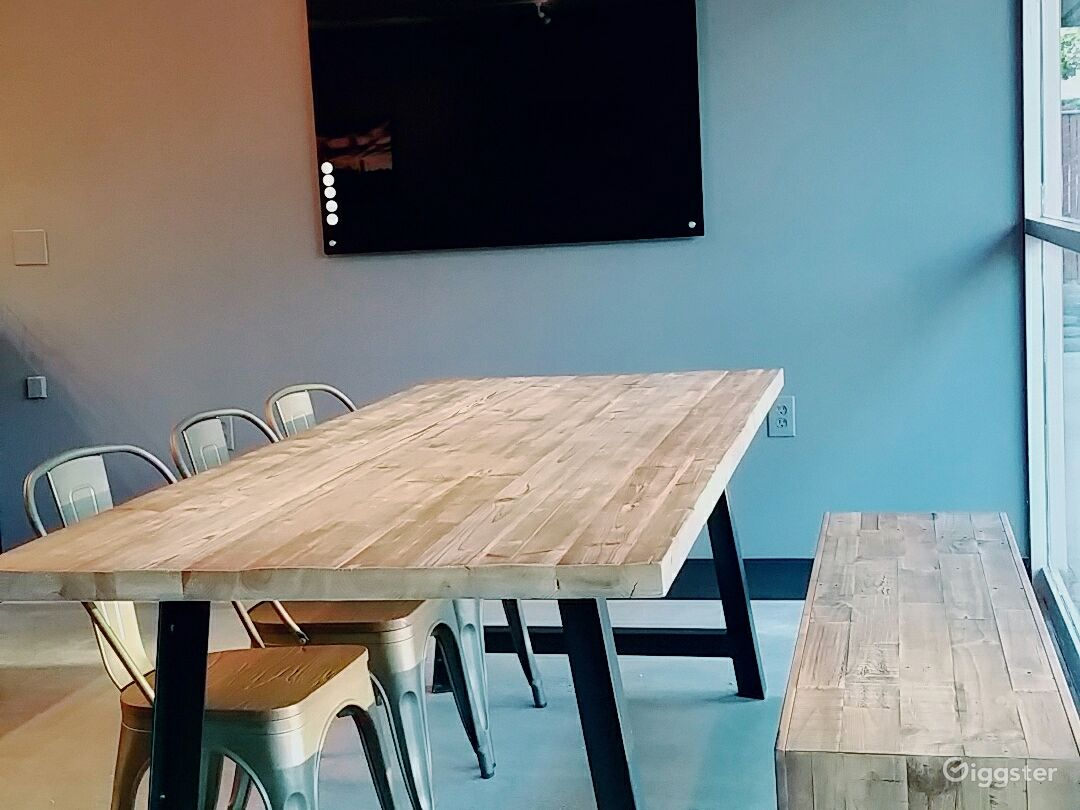Modern coffee shop space with an onsite barista Photo 2