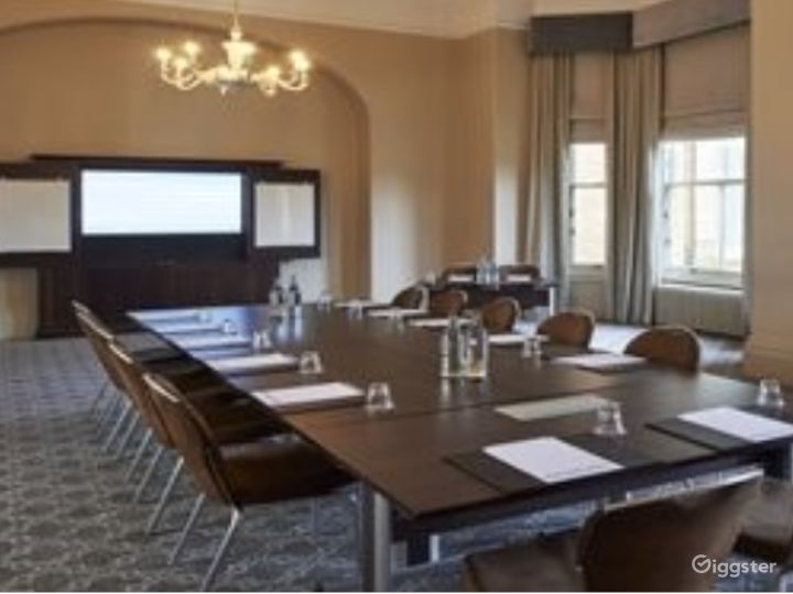 Flawless Boardroom in York Photo 4