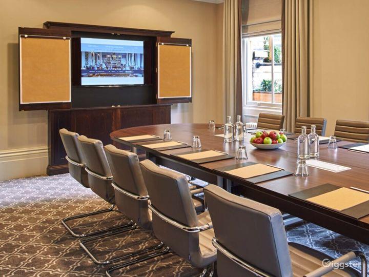 Flawless Boardroom in York Photo 3