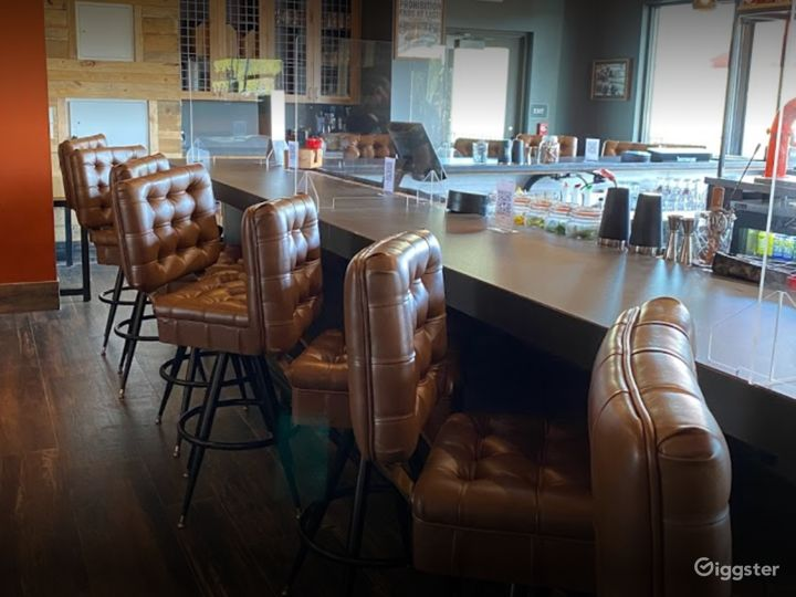 Beautiful Second Floor Dining Space for Parties Photo 5