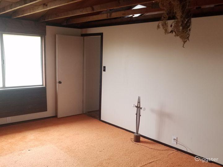Retro Room Photo 4