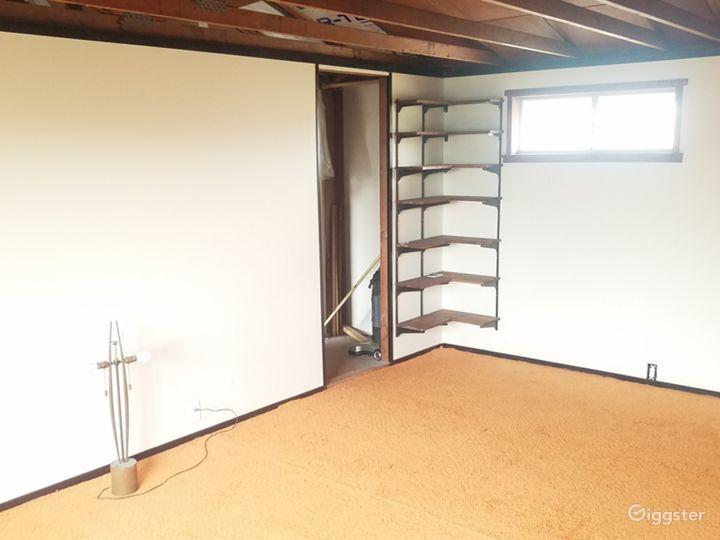 Retro Room Photo 5