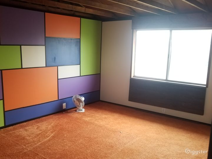 Retro Room Photo 3