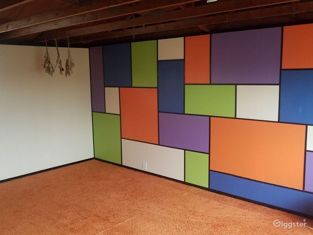Retro Room Photo 1