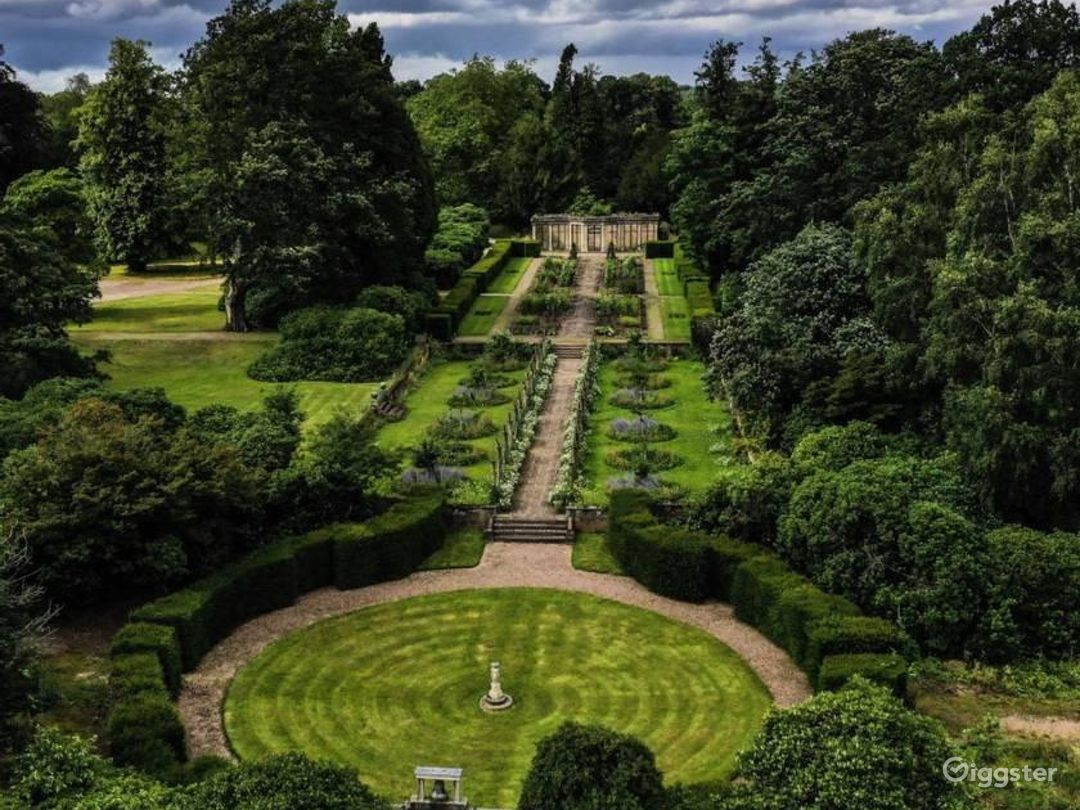 Breathtaking Garden in Stafford Photo 1