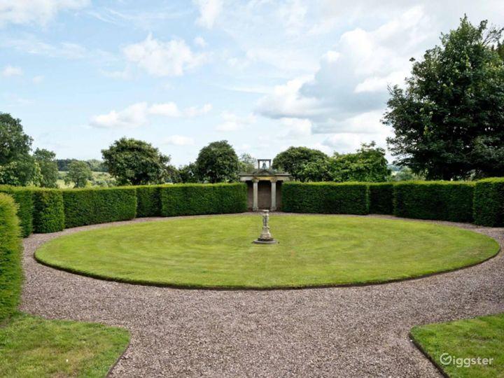 Breathtaking Garden in Stafford Photo 3