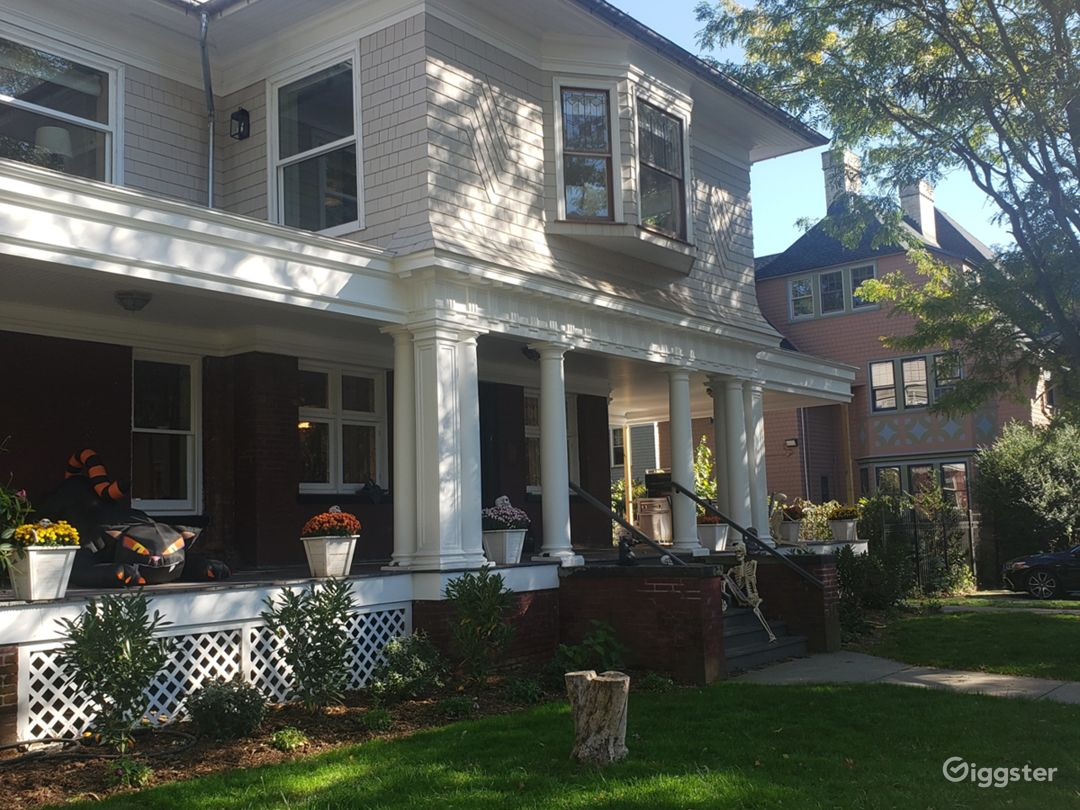 Perfect, Large Suburban House in Brooklyn! Photo 2