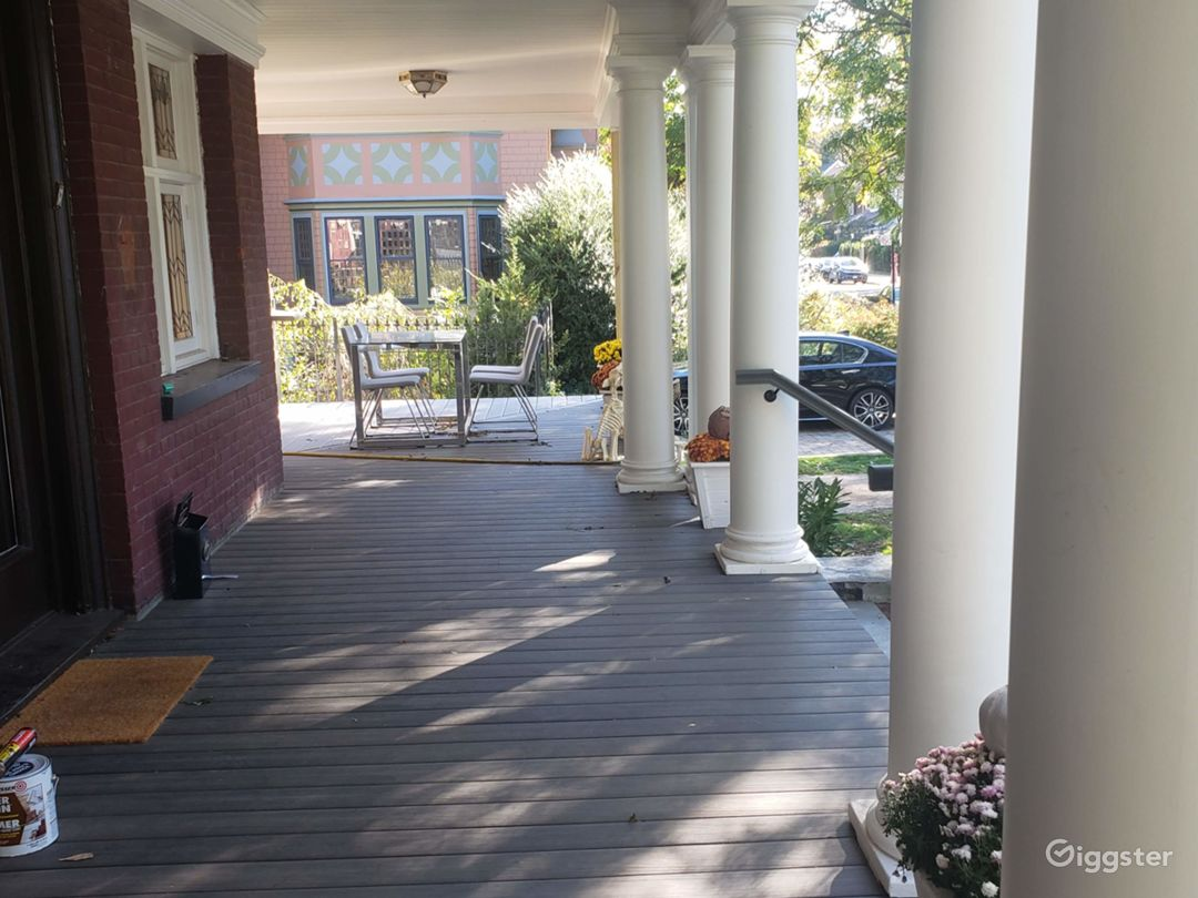 Front Porch w/Columns