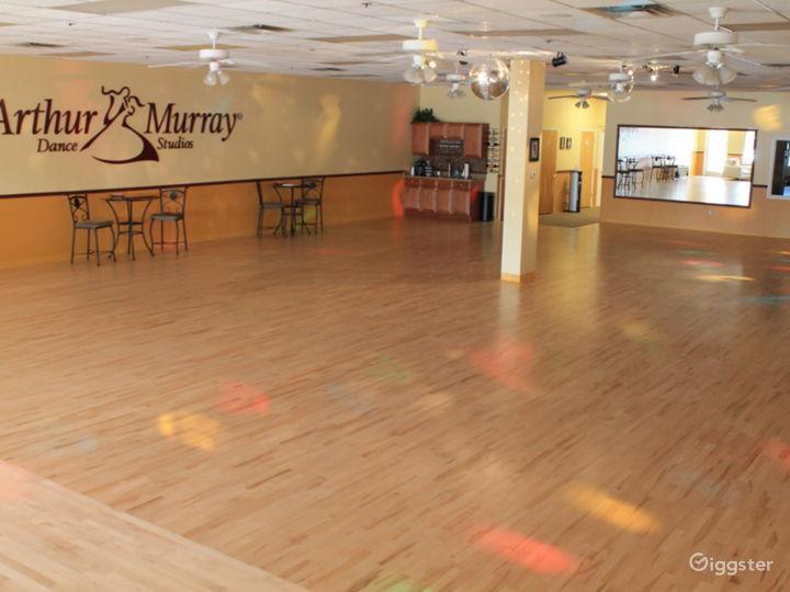Open Plan Ballroom with 2400 sq ft Dance floor.