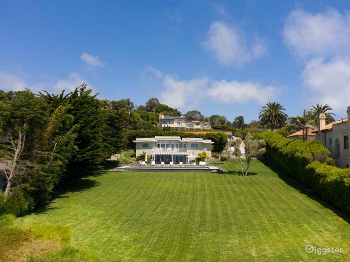 Ocean Escape Malibu Dream House w/Pool, 1ac. Grass Photo 3