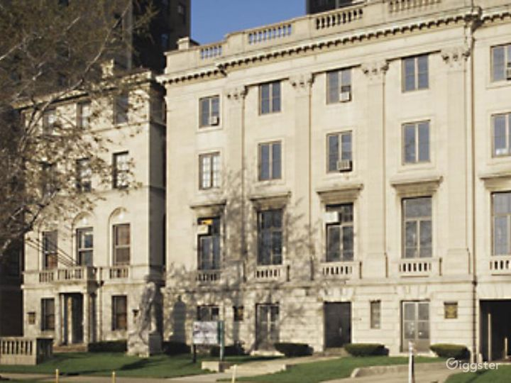 Historical Mansion Turned Museum in Chicago
