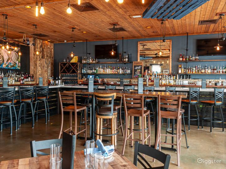 Intimate and Private Main Dining Space Photo 3