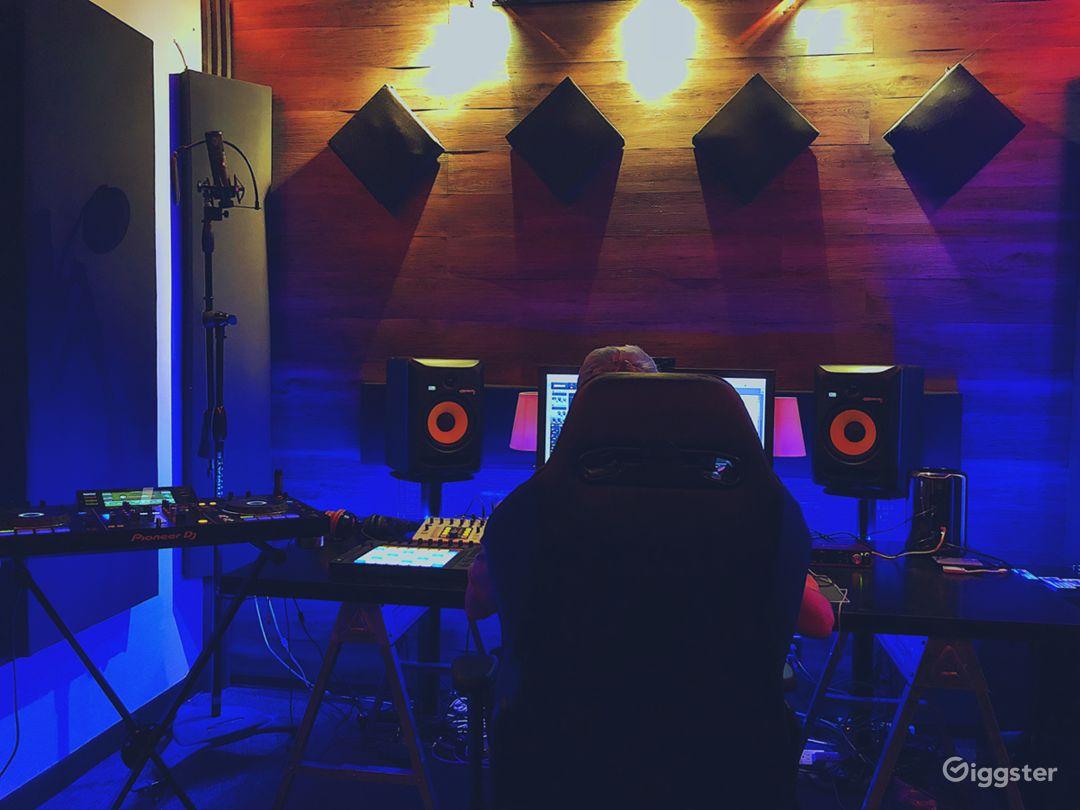 Modern Music Production Studio Photo 4