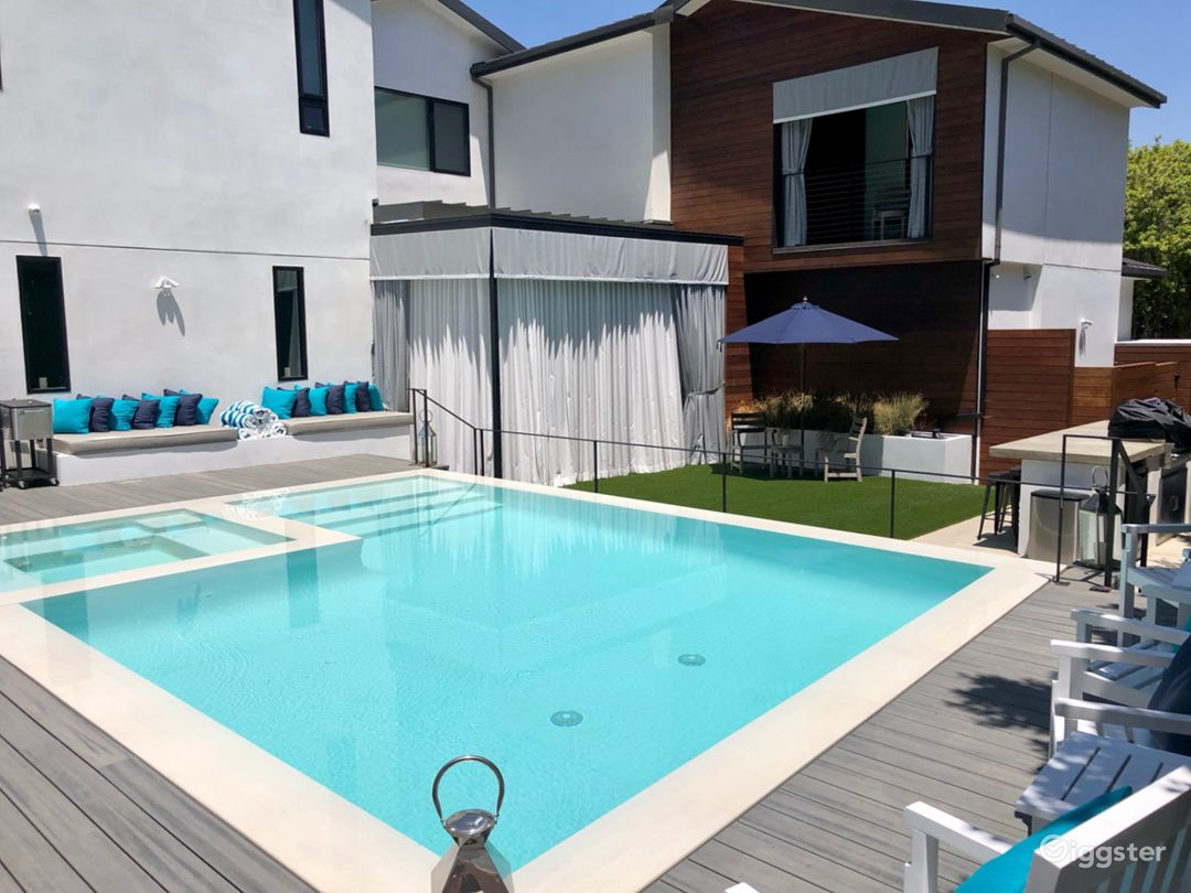 Pool, Daybed & Cabana