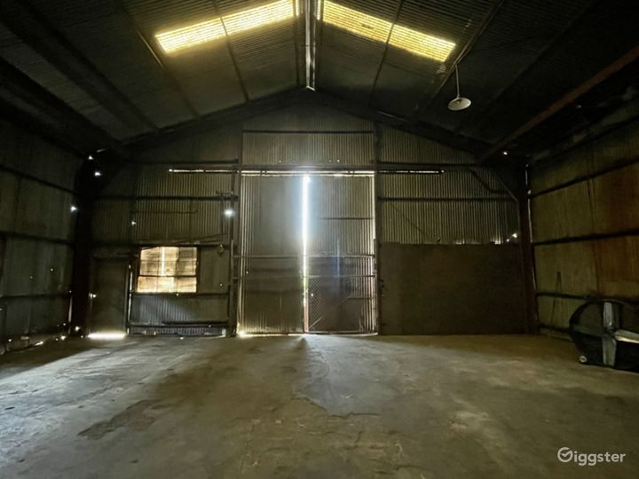 Rusted Metal Warehouse Studio Photo 4