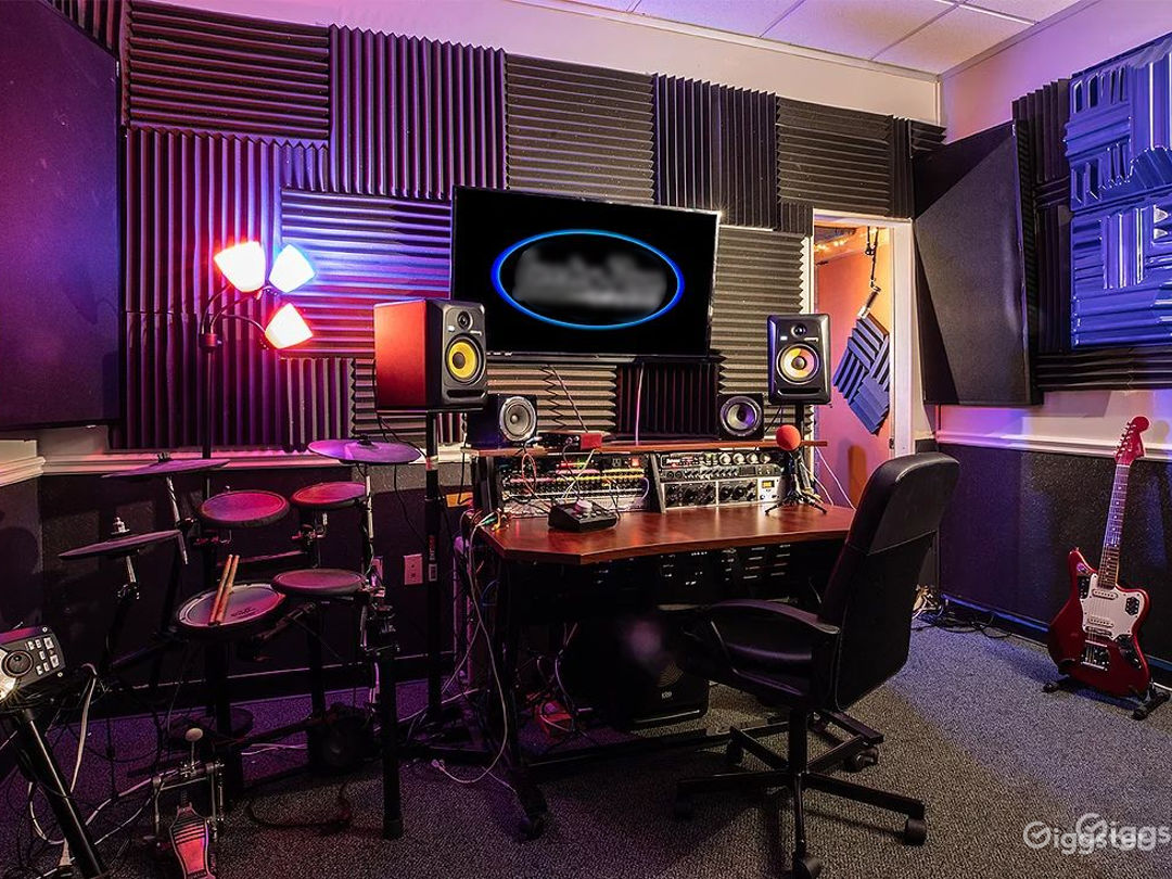Room C - Small Recording Room Photo 1