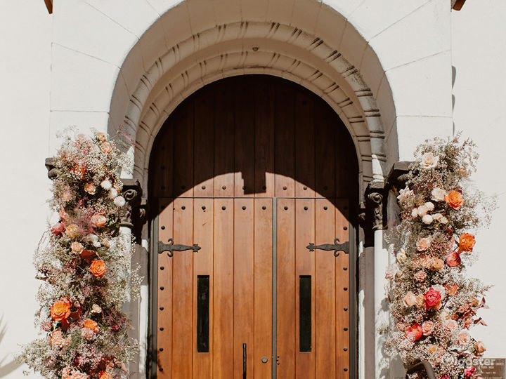Beautiful Spanish Style Church to Celebrate Love Photo 2