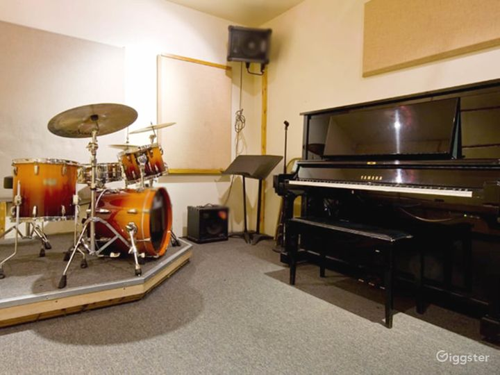 Music Studio for Trios and Quartets in NY Photo 5